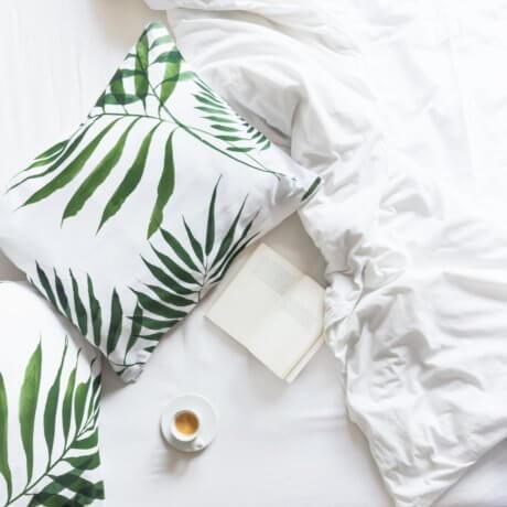 poszewki w palmy white pocket