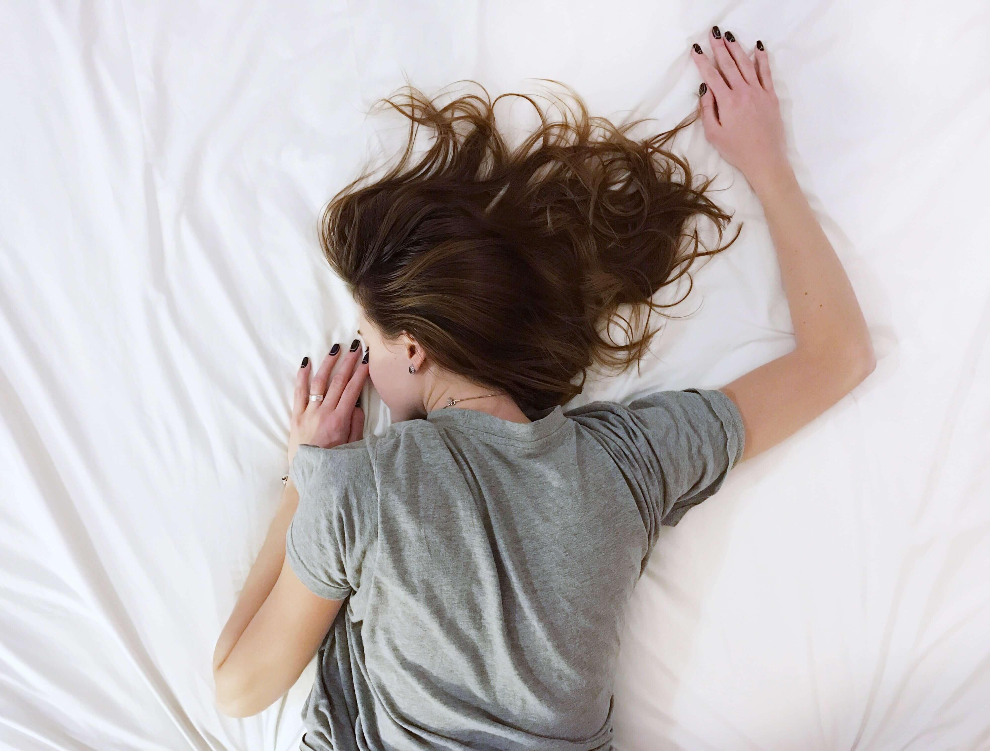 jaka pozycja do spania jest najlepsza