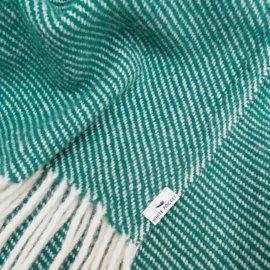 koc wełniany w kolorze butelkowej zieleni