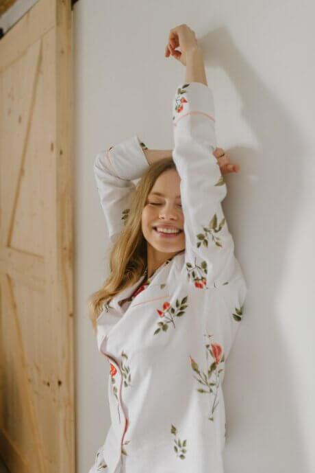 piżama w dzikie róże