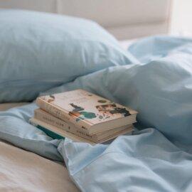 błękitna pościel bawełniana white pocket