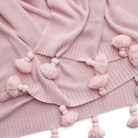 narzuta na łożko pudrowy róż boho white pocket