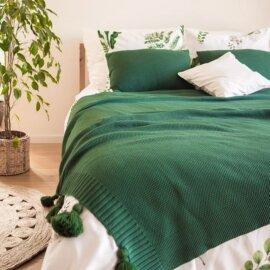 narzuta na łożko z frędzlami butelkowa zieleń white pocket